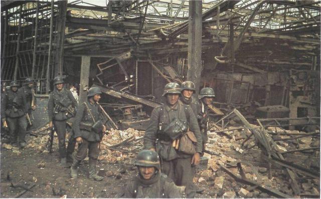 STALINGRAD !!! - 17 Juillet 42 / 2 Fevrier 1943 Deutsc12