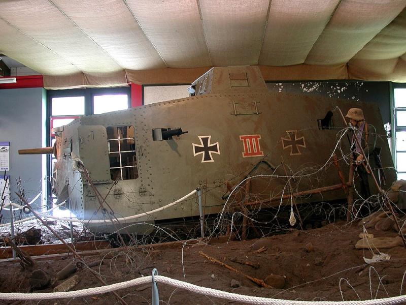 WW1 - A7V  - Munster - Panzer Museum Dscn1315