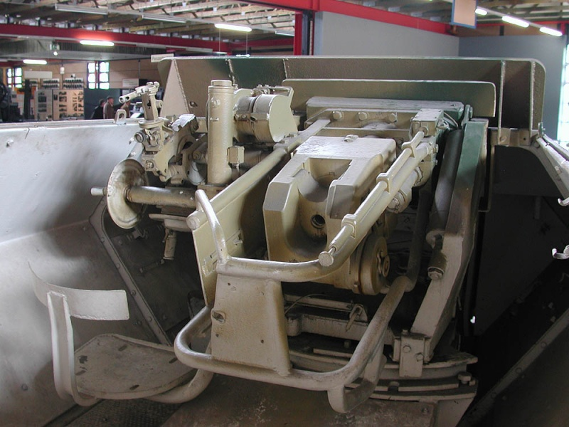SdKfz 251/9 - Munster - Panzer Museum - DE Dscn1423