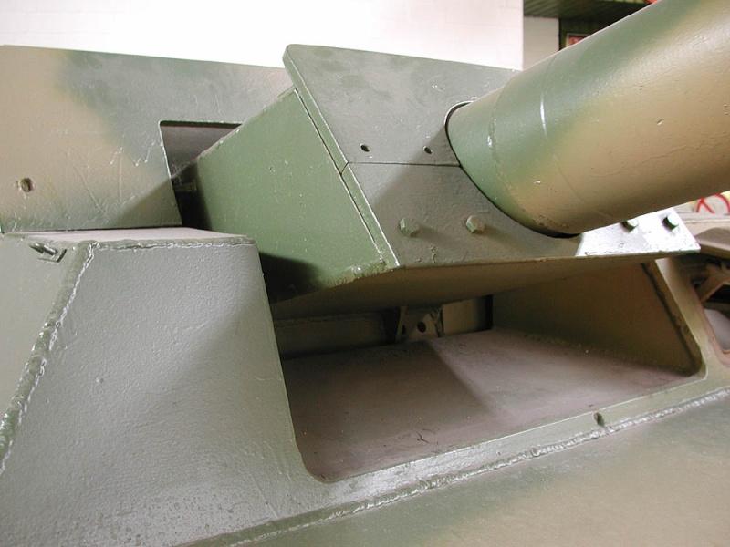 SdKfz 251/9 - Munster - Panzer Museum - DE Dscn1426