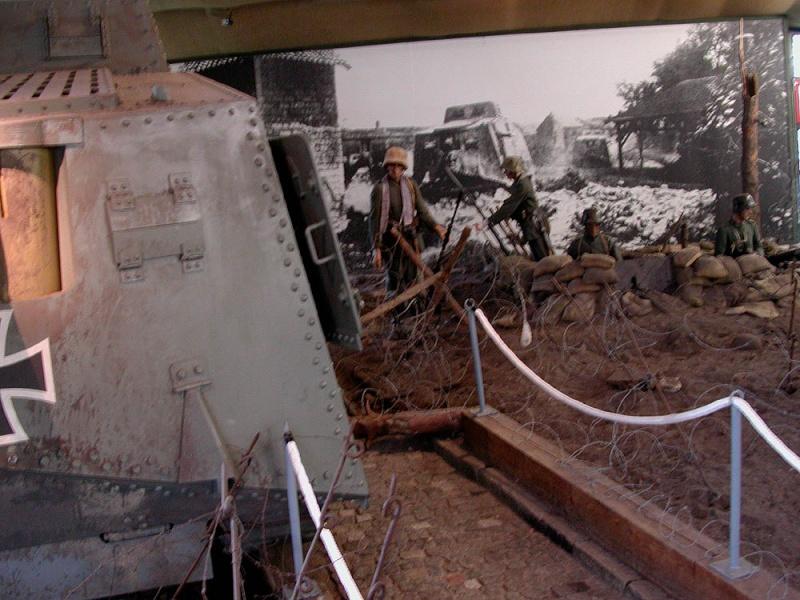 WW1 - A7V  - Munster - Panzer Museum Dscn1610
