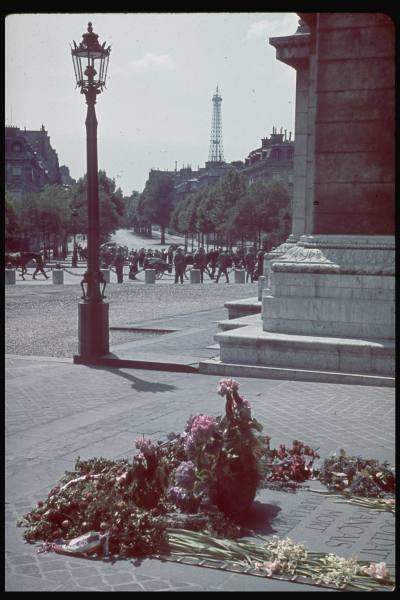 Reportage - PARIS sous l'occupation E4f32510