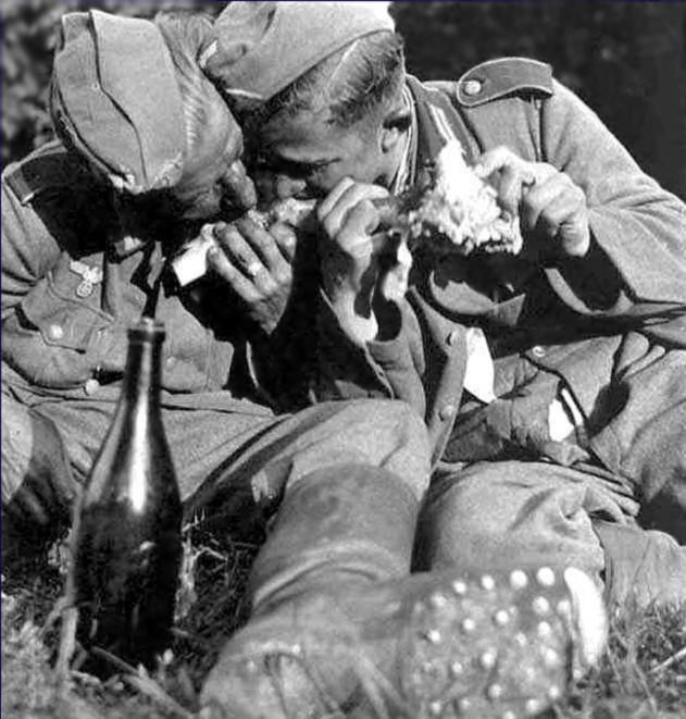 A LA BOUFFE !!!! - Heer/Waffen Ee19_c10