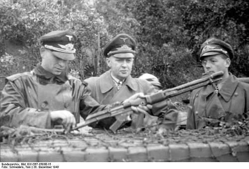 Fallschirmgewehr 42 - FG42 Fg42210