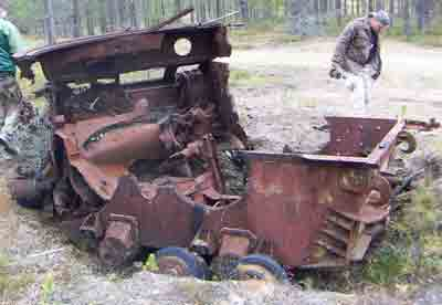 Panzer Wreck in Color !!! Finnis10