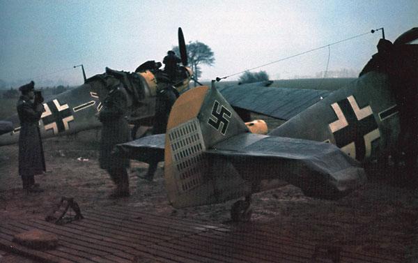 Pilote de Chasse -  LUFTWAFFE - France 1944 Fm11mc10