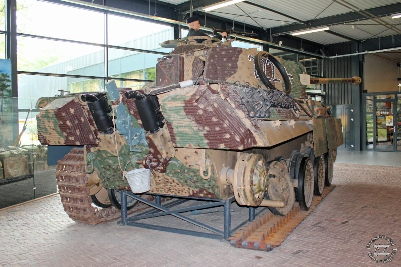 Panther - Liberty Park Oorlogsmuseum - Overloon Holland Haendl10