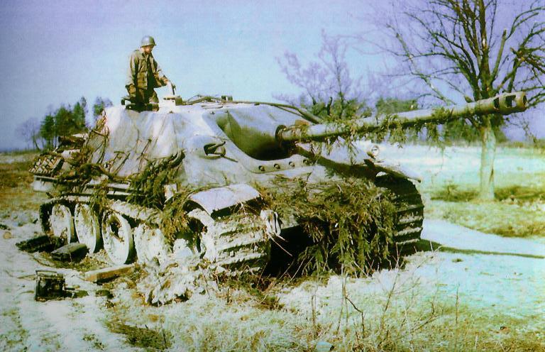 Panzer Wreck in Color !!! Jagdpa33