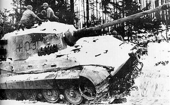 Panzerkampfwagen VI - Königstiger Koenig10
