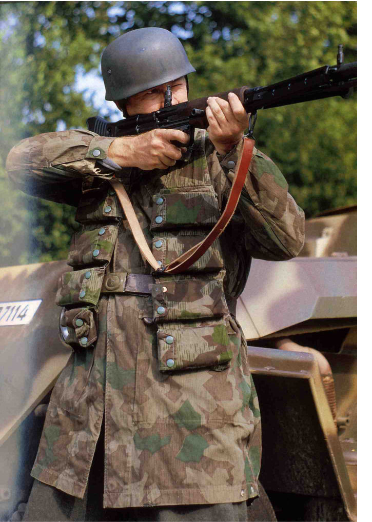 Fallschirmjager - Photos Reconstitution Libro_14