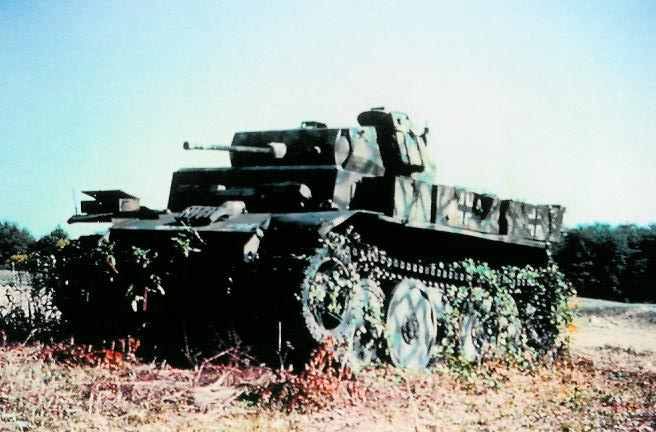 Panzer Wreck in Color !!! Luchs10