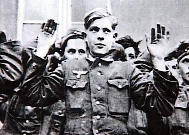 Les Jeunesses hitlériennes - Les enfants du Reich !!! Nlsjo510