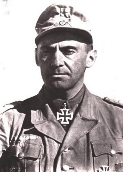 Fritz Bayerlein Oberst10