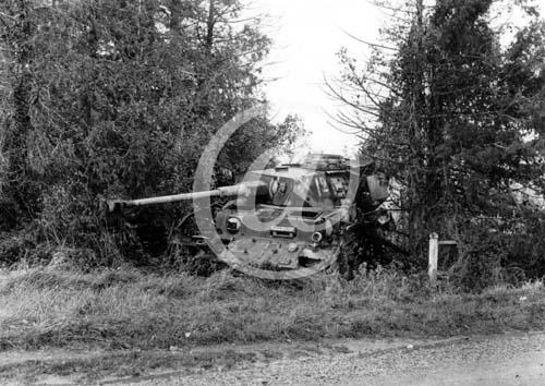 Panzer Wreck - Normandie 1944 P0027210