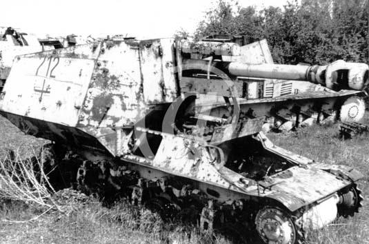 Panzer Wreck - Normandie 1944 P0028310