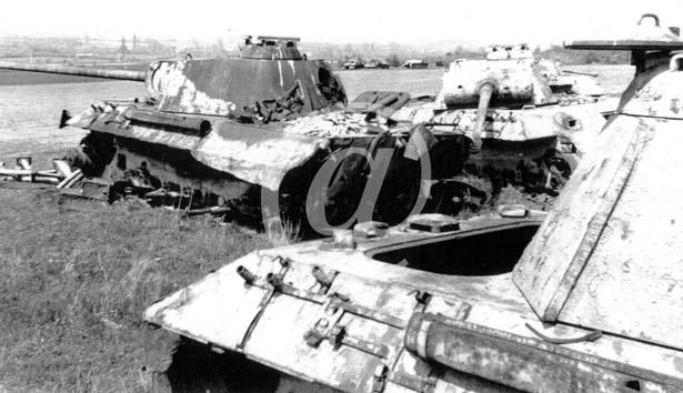 Panzer Wreck - Normandie 1944 P0028312