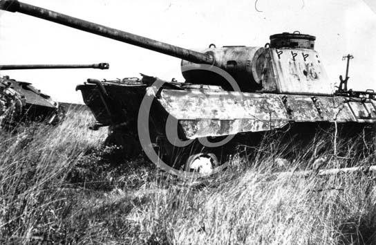 Panzer Wreck - Normandie 1944 P0028810