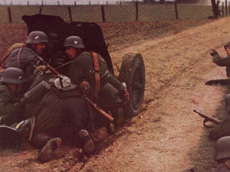Pak 36 (Panzerabwehrkanone 36) - 37 mm Pak37m10