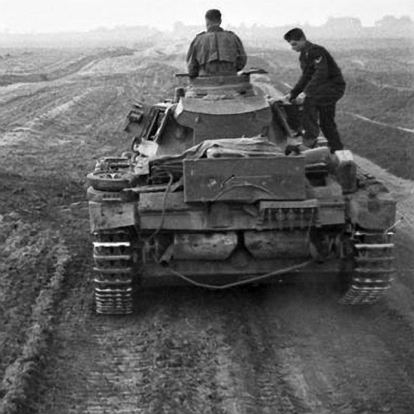 Panzerkampfwagen - Panzer III Panze113