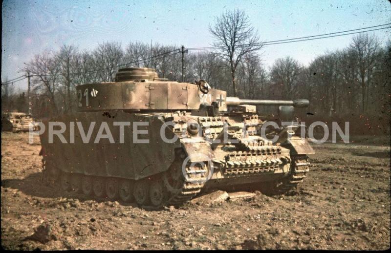PEINTURES DU MATERIEL DE GUERRE ALLEMAND 1939-45 Panzer52