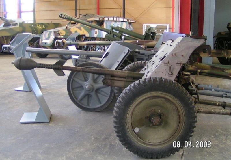 Pak 36 (Panzerabwehrkanone 36) - 37 mm Pict5010