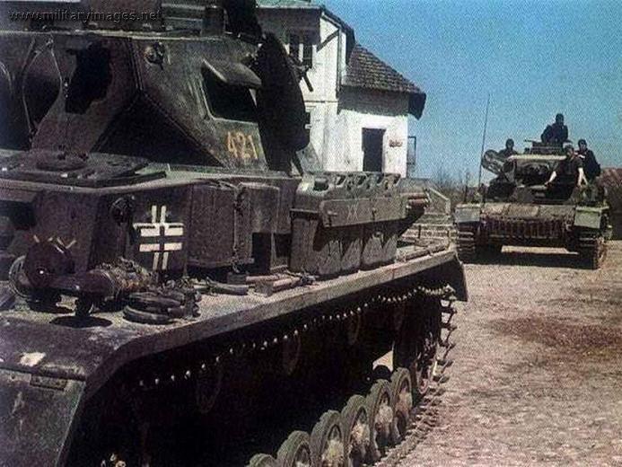 Camouflages, numerotation et marquages des Panzer Pz4d0010