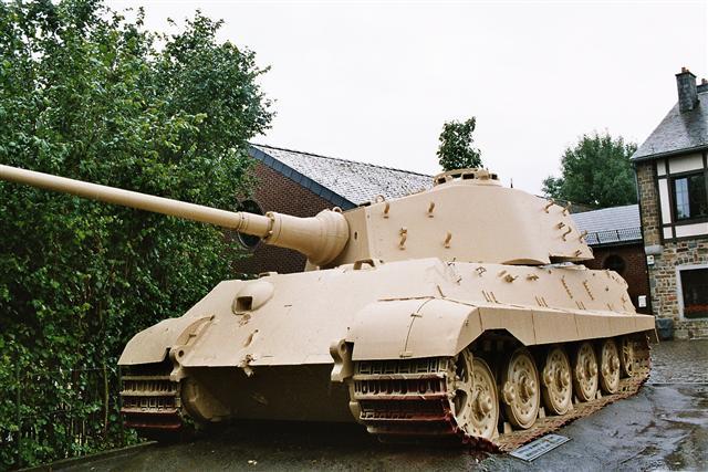 King Tiger - La Gleise - Belgique  Pz7_310