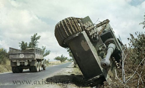 Panzer Wreck in Color !!! Spz-ab10