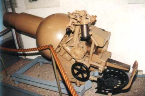 Sturmpanzer IV - Brummbär ! Stuh4310