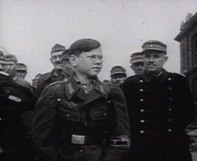 Les Jeunesses hitlériennes - Les enfants du Reich !!! Volkss11