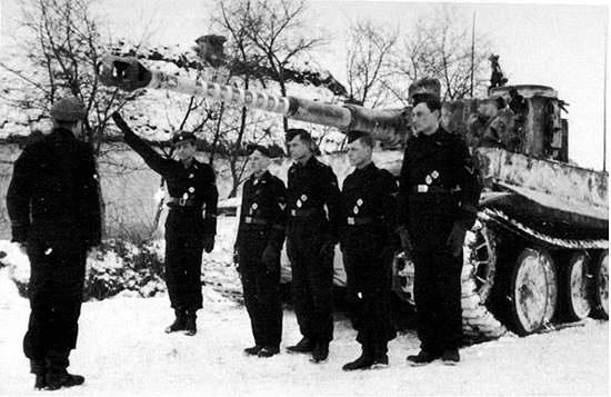 Waffen SS - les Equipages de Panzer - France 44 W9tig10