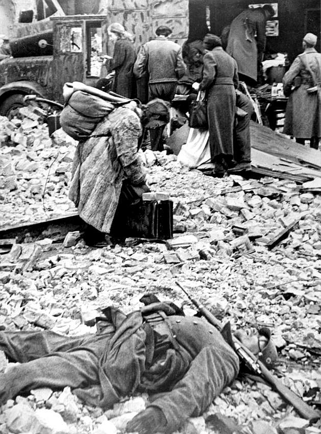 La Bataille de Berlin - 16 avril 1945/2 mai 1945 Wallz810