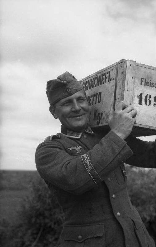 A LA BOUFFE !!!! - Heer/Waffen Zzz1010