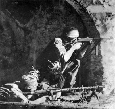 Fallschirmjager à Montecassino Fallsc10