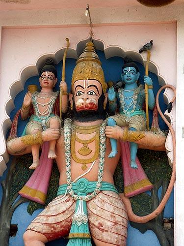 Hanuman, le dieu-singe Dieu_s10