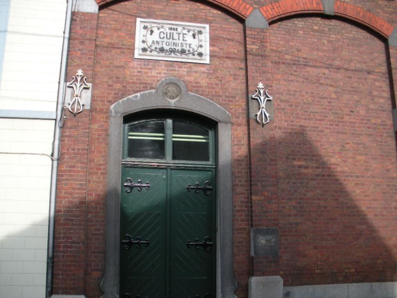 LE TEMPLE ANTOINISTE DE JEMEPPE SUR MEUSE, BELGIQUE Dscn1019