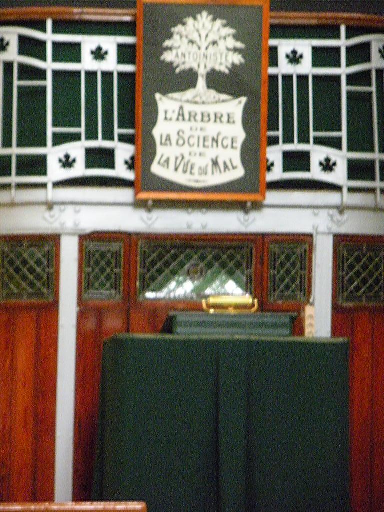 LE TEMPLE ANTOINISTE DE JEMEPPE SUR MEUSE, BELGIQUE Dscn1029