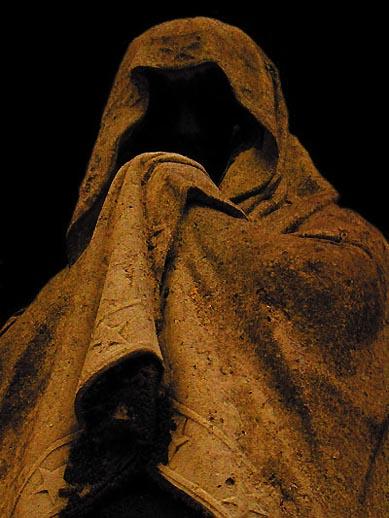 Les grandes confessions reculent? Les fantômes du paranormal prennent la relève.. Fantom11