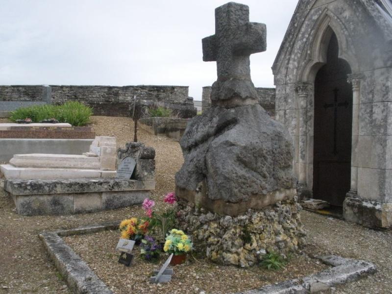 La Tombe de Jules Charles Ernest Billaudot dit le Mage Edmond  La_tom26