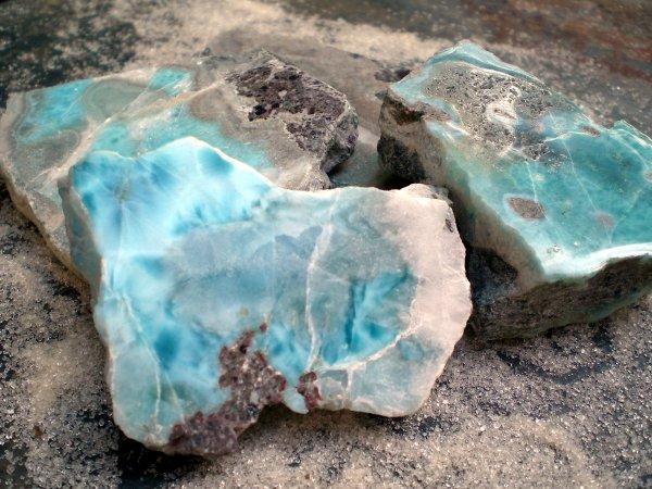 Larimar, la pierre bleu de l'Atlantide Larima10