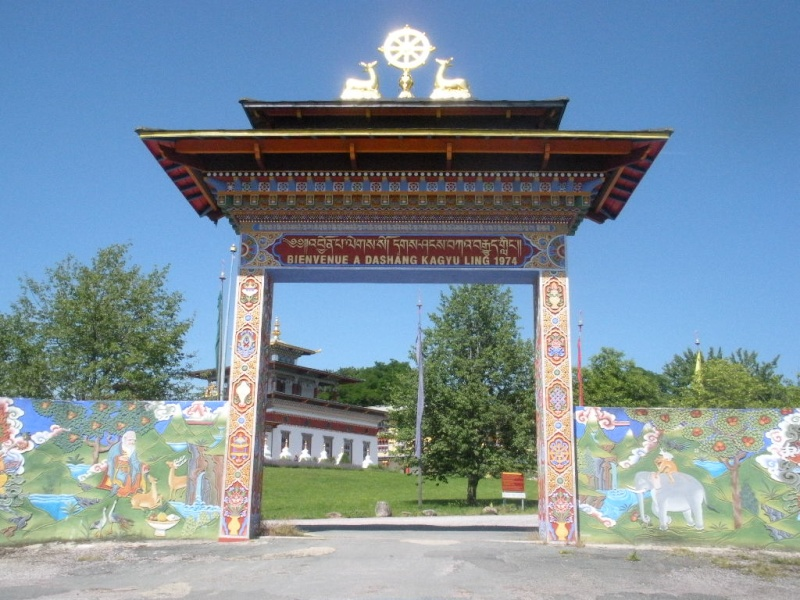 Le temple des Milles Bouddhas en Bourgogne Le_tem13