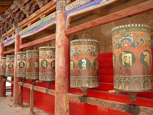 Comment utiliser le Moullin a Prières tibéthain ? Moulin12