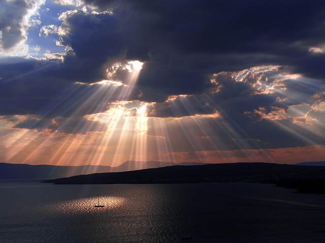 Rôle et Aide de l'Ange Gardien dans le Spiritisme Nuages10