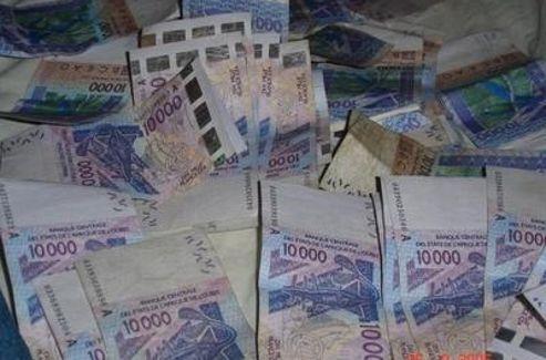 Les «brouteurs d'Abidjan», les nouveaux escrocs d'Internet Abidja13