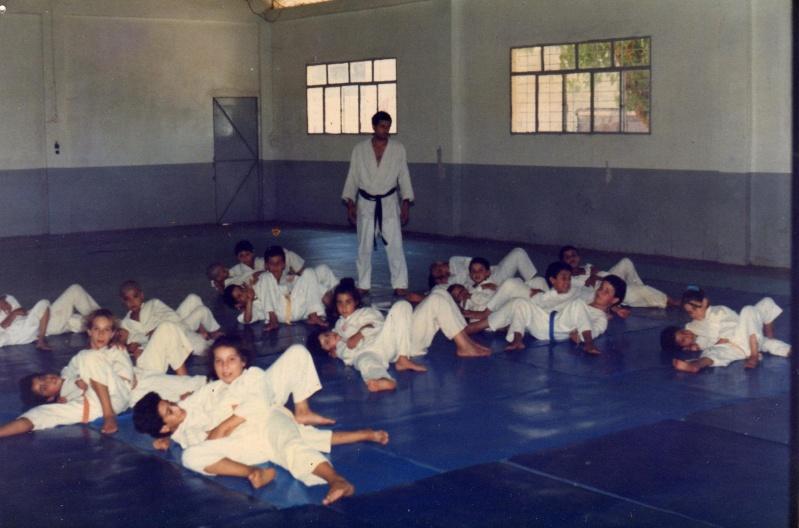 "Section du judo d'aokas (1993/1994) avec ""ALILI MOUHAND"" Judo_a13"