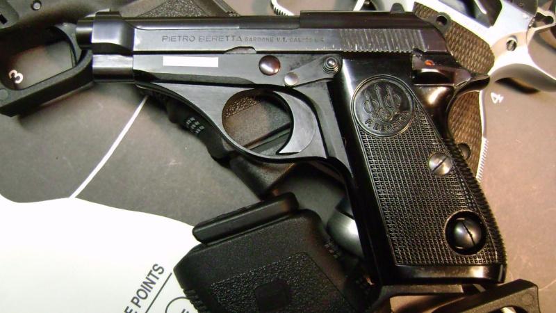 Un petit pistolet en 22 Dsc07614