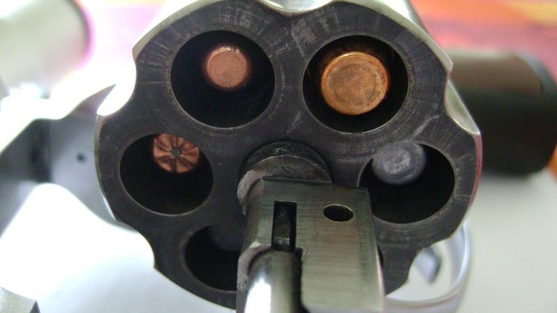 Calibre revolver - Page 2 Dsc08212