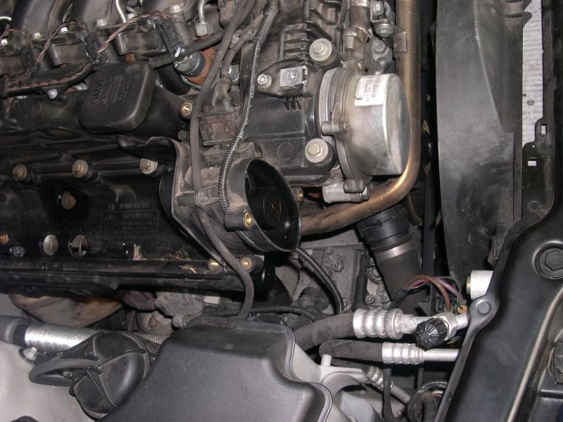 [Moteur M57N] Dépose du turbo Dscn0315