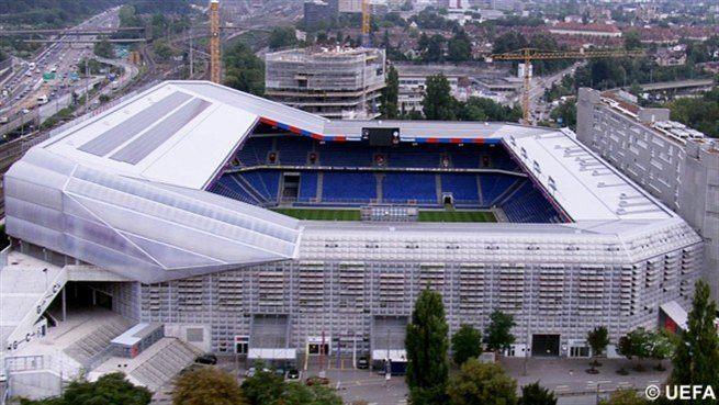 Eté 2013: le stade mystère Stade_11