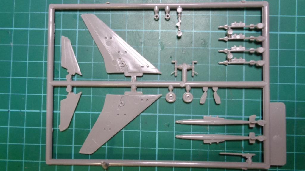 [OTAKI] NORTH AMERICAN F-100 D SUPER SABRE Réf A2 1/144ème Dsc05719